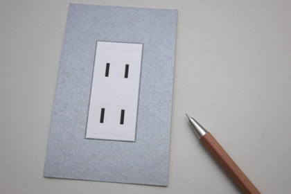 wall outlet cardの商品写真